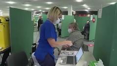 Reino Unido vacuna sin descanso y abre nuevos centros de vacunación