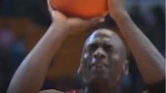 Michael Jordan lanzó este tiro libre con los ojos cerrados