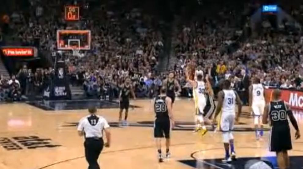 Curry no tiene límites: 37 puntos y triple desde 20 metros