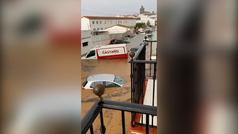 El muro del CEIP Alonso Barba se cae tras las inundaciones en Huelva