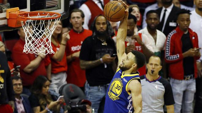 Harden lleva a los Rockets a empatar la serie con los Warriors