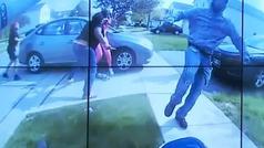 Un policía mata a tiros a una chica negra de 16 años que intentaba apuñalar a otra adolescente