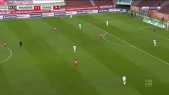 'Poulsen' el play y disfruten de un auténtico golazo: la genialidad que asombra en la Bundesliga