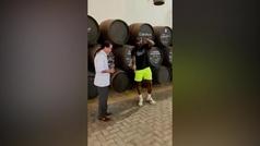 El arte de LeBron James venenciando vino durante una escapada a Jerez