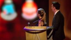 Cristina Baudet gana a los hombres con su golazo