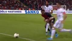 Elneny debuta con el Besiktas con una rastrera agresión de roja directa