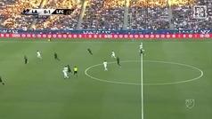 Vaya animalada de Ibrahimovic: control con el pecho, sombrerito y golazo