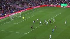 La preciosa vaselina de Luis Suárez ante el PSV que se fue al larguero