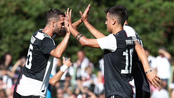 Paulo Dybala marca una joya de gol en amistoso de la Juventus