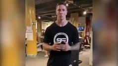 Torres no para de ponerse fuerte, sube un vídeo a su Twitter y no pasa desapercibido su físico