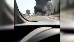 Sobrecogedora explosión de un camión cisterna en una autopista en Bolonia