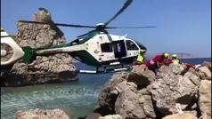 El impactante rescate de la Guardia Civil a una niña atrapada en unas rocas