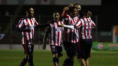 Las Leyendas de Chivas se llevan el partido en beneficio al 'Zully' Ledesma