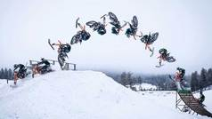 Logra a la tercera el primer salto mortal de la historia con moto de nieve