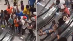 El primer centro comercial con escaleras mecánicas de Camerún provoca un sinfín de caídas