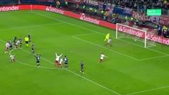Gol de El Arabi (p.) (1-0) en el Olympiacos 1-0 Estrella Roja