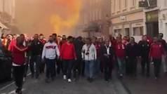 La afición del Galatasaray tomó Brujas: Cánticos, humo y pasión desbordada