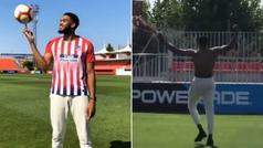 El jugador de la NBA Karl-Anthony Towns visitó al Atlético y se picó con Griezmann tirando penaltis