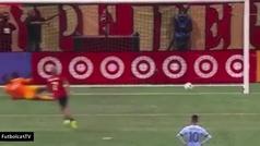 Josef Martínez revoluciona los lanzamientos de penalti con su curiosa técnica