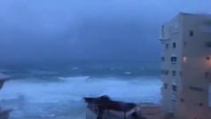 La tormenta tropical Gamma toca tierra en México con menos fuerza de la esperada