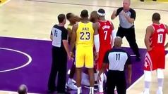 Vergonzosa pelea a puñetazos entre Lakers y Rockets