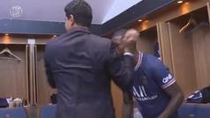 Al-Khelaifi bajó al vestuario: abrazo a Mbappé... y uno especial a Messi