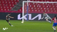 Gol de Bruno Fernandes (p.) (0-2) en el Granada 0-2 Manchester United