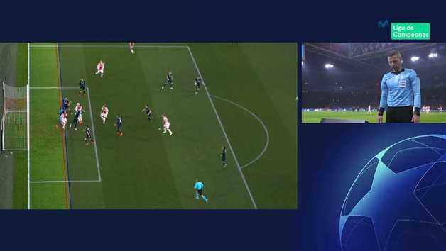 Así fue el gol anulado al Ajax ante el Real Madrid tras la consulta al VAR