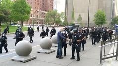 Violenta agresión a un anciano de la policía en Estados Unidos