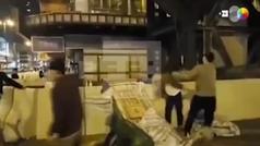 Noqueado con una tapa de alcantarilla un hombre durante protestas Hong Kong