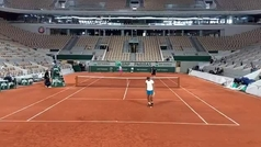 Rafa Nadal realiza su primer entrenamiento en Roland Garros