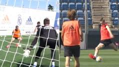 ¿Optimismo con Bale? Así fue su último golazo... para llevarse la ovación de sus compañeros