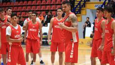 Aficionados presencian el entrenamiento de los 12 Guerreros previo a Barranquilla 2018