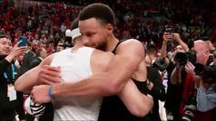 Todo queda entre hermanos: El abrazo más emotivo entre Stephen y Seth Curry