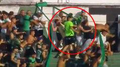 Imágenes duras: navajazos en la grada durante un partido en Argentina