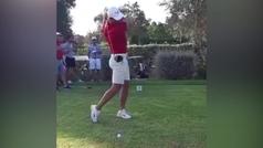 Nadal juega a golf durante el parón del tenis
