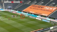 El error de Jovic en el 1-0 que da esperanzas al Borussia: la reacción de su portero...