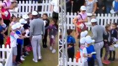 El feo gesto de Tiger Woods con unos niños que divide a los aficionados del golf