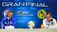Pedro Caixinha y Miguel Herrera comparten momento cómico previo a la final de ida