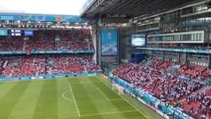 Esto es fútbol: el cántico unido de los hinchas de Dinamarca y Finlandia que te conmoverá