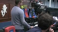 Zverev le pega un pelotazo en la mandíbula a un cámara