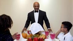 Tyson se 'come' la oreja de Roy Jones por Acción de Gracias