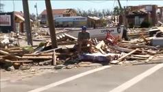 Los vecinos de Mexico Beach en Florida evalúan los daños causados por el huracán Michael