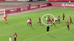 Nacho Vidal clava una chilena en la escuadra... ¡y se la anulan por juego peligroso!
