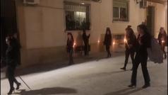 Un grupo de mujeres se salta el confinamiento para celebrar el Viernes de Dolores