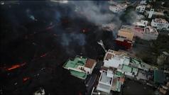 La colada norte del volcán comienza a devorar el núcleo urbano de La Laguna