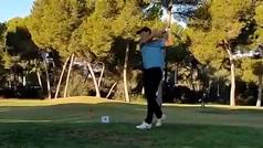 La profesionalidad de Nadal jugando a golf