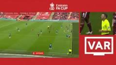 El fuera de juego milimétrico que condenó al Chelsea... ¡en el minuto 90!