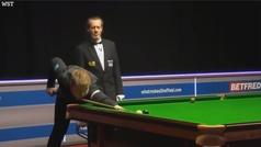 El inglés Louis Heathcote da uno de los golpes más increíbles de la historia del snooker