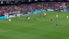 Gol de Santi Mina (3-1) en el Valencia 3-1 Levante